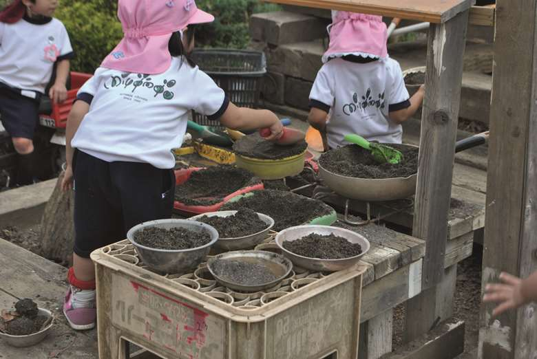 Eyfs Activities 5 Ways To Mess About With Mud Nursery World