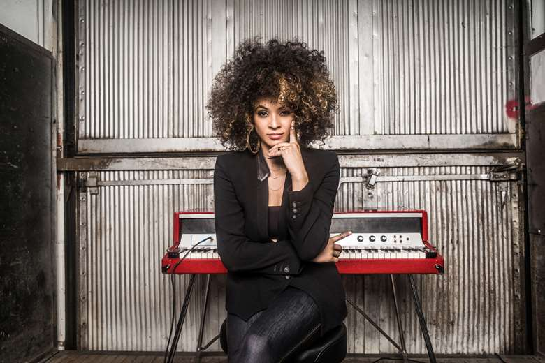Kandace Springs: Girl With A Pearl Hearing