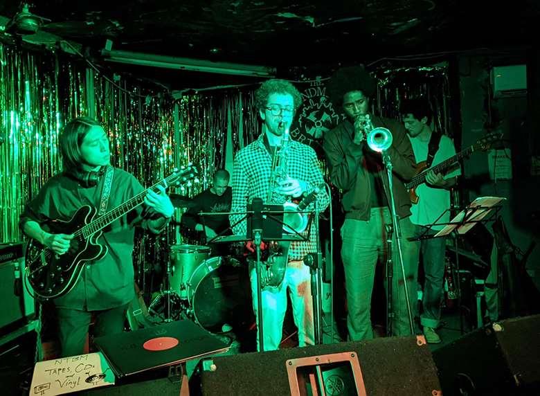 Tjoe Man Cheung and band – Photo by Christine Hannigan