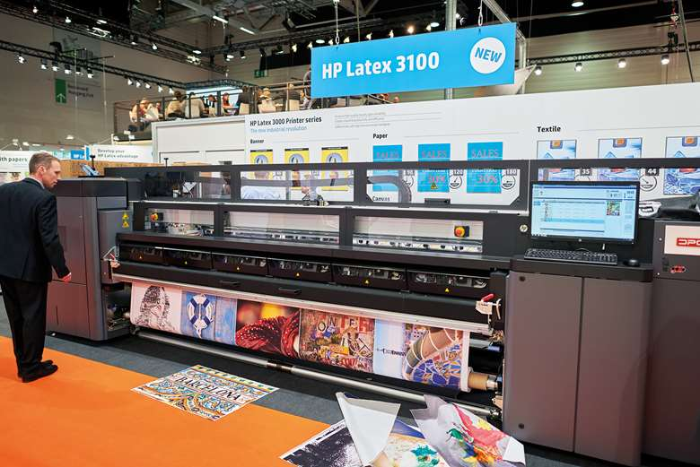 HP Latex 3100 printer uses HP's thermal inkjet printheads with the water-based latex inks