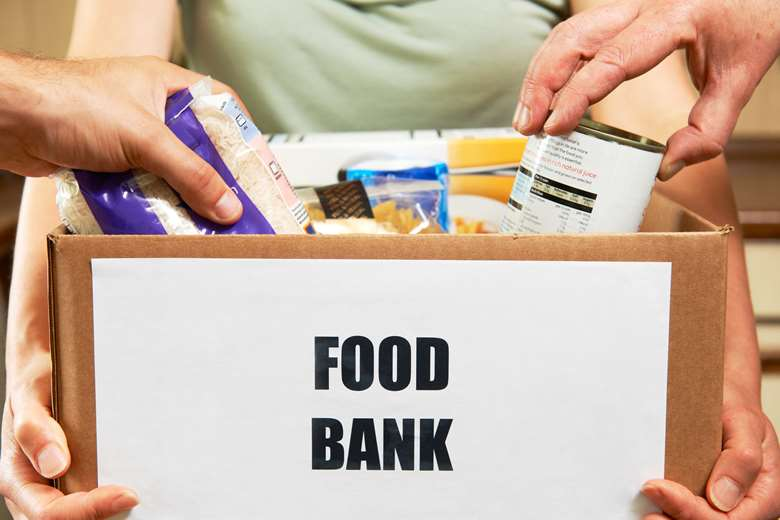 People do not have enough money to lead a healthy life, with a large number resorting to food banks, the report says
