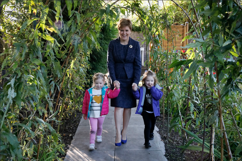 First Minister of Scotland Nicola Sturgeon visited Sauchie Nursery and celebrated the expansion of funded childcare.