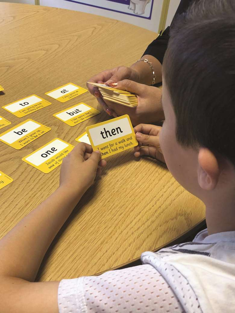 Practitioners need  100 High Frequency Wordcards www.primaryteaching.co.uk/wordcards