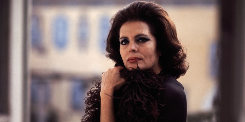 Amália in 1973 (photo: Augusto Cabrita)
